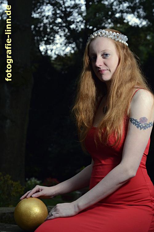 Prinzessin mit der goldenen Kugel