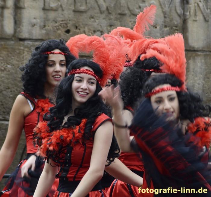 Cancan Tanzgruppe