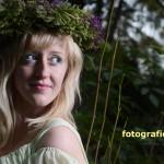 Waldfee mit Blumenkranz