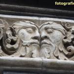 figürliches Detail Rundbogen