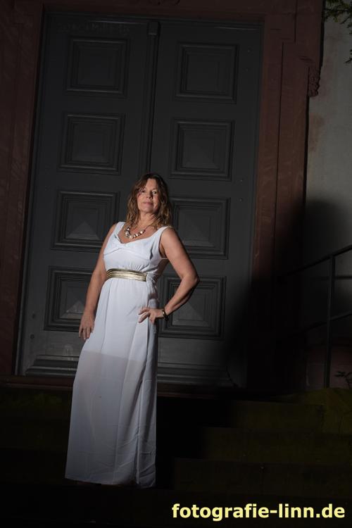 Die Göttin auf der Treppe