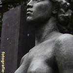 Nahaufnahme Bronzefigur