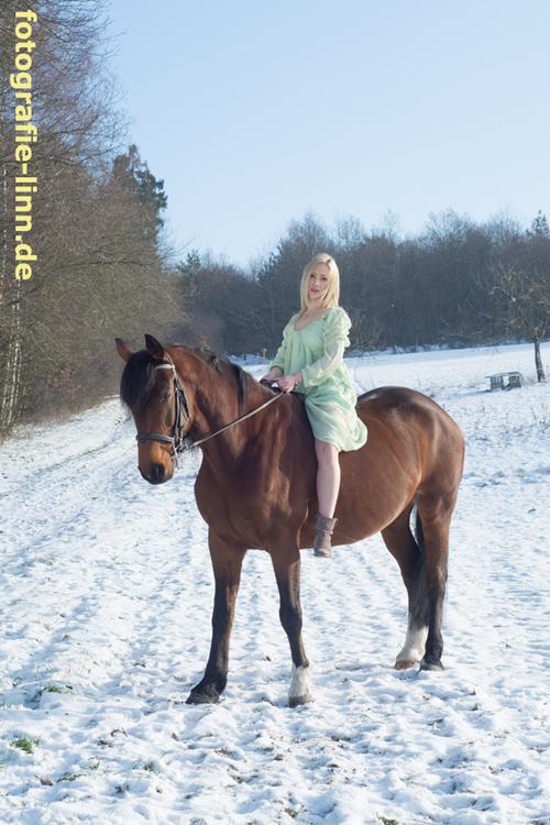 Reiterin Winterlandschaft