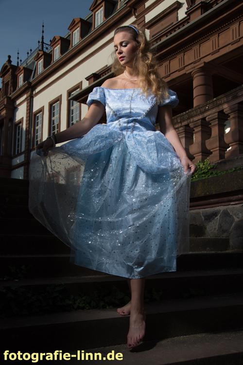 Cinderella barfuß