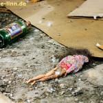 Barbie und Bierflasche