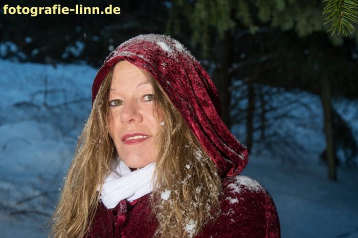 Schneeflocken im Haar