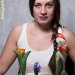 Model mit Tulpen