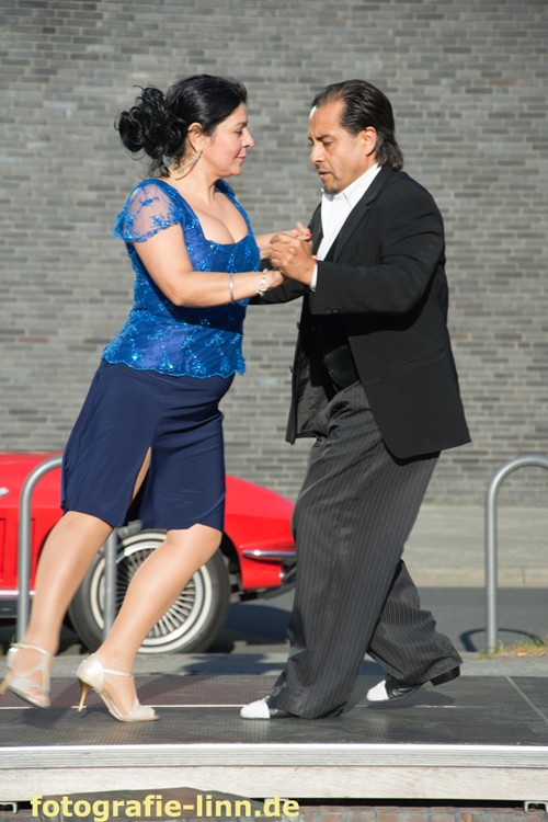 Tango & rotes Auto