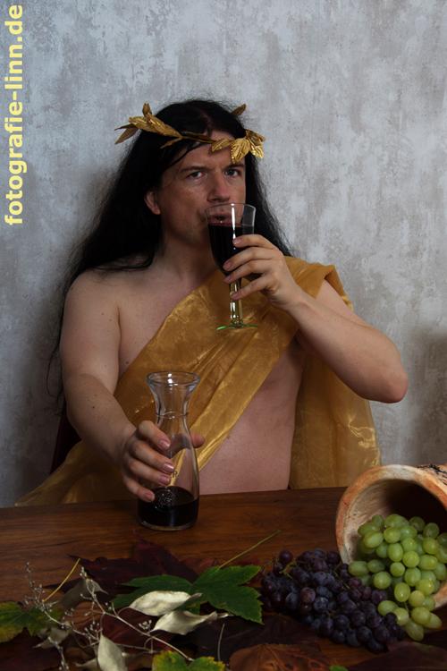 Dionysos probiert den Wein...